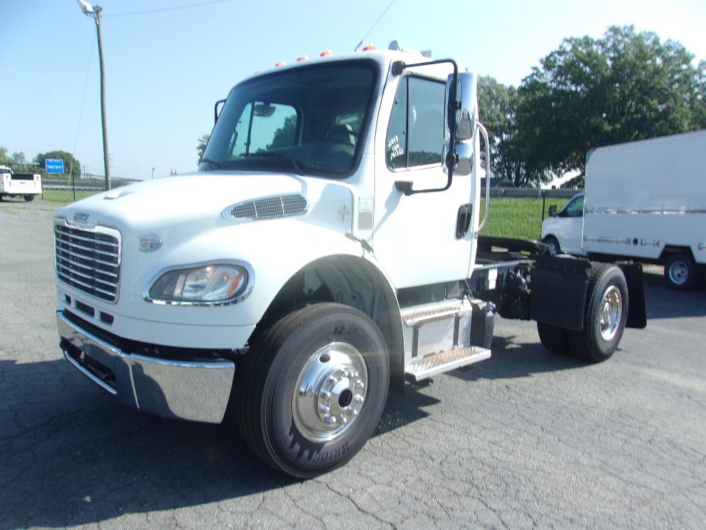 10193 - 2013 Freightliner M2 Single-Axle Tractor